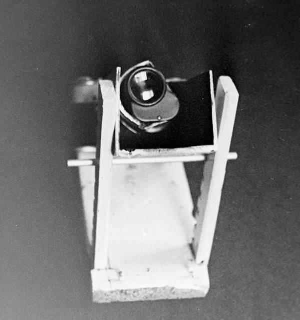 Первый вариант устройства съёмки в монокуляр 8х30 в окулярной проекции на фотоапарат ФЭД-3